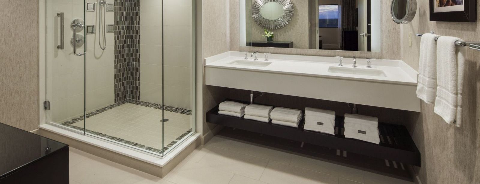 Luxury Suite Bathroom | The Westin Southfield Detroit